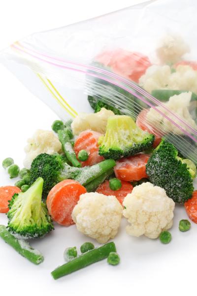 time-saving kitchen hacks - freezer bags